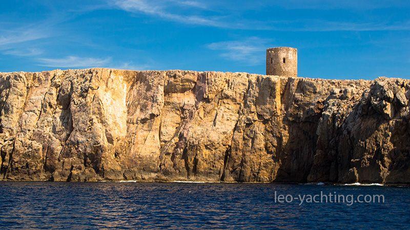 Czartery jachtów na Sardynii - nuragi