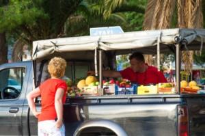 Czarter w Grecji z dziećmi - zakupy w Epidavros