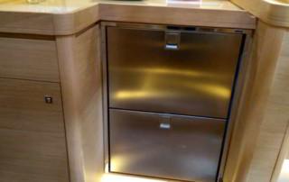 Nowe lodówki szufladowe - wygodniejsze od tych z dostępem od góry (fot. M. Koczewska)