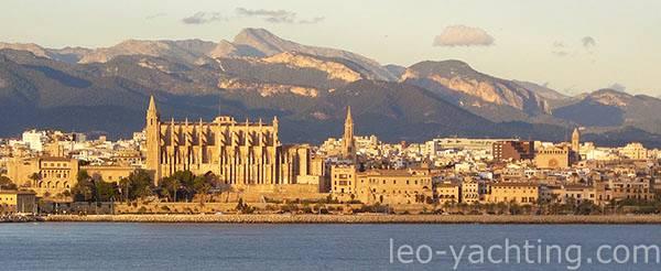 Palma de Majorka czarter jachtów na Balearach