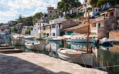 Wybiewrz czarter jachtów Hiszpania