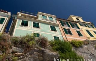 czarter Genua, Włochy