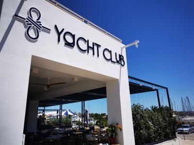 Yacht Club - restauracja w Marinie Olympic