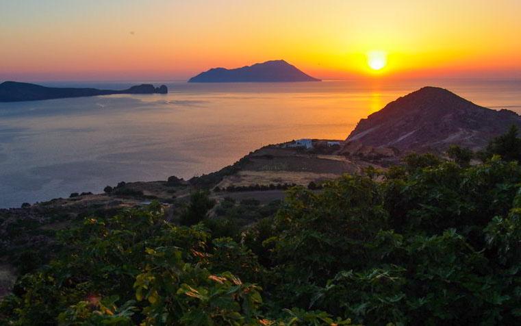 jachty Grecja - zachód słońca Ios