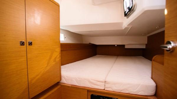 Jacht Sun Odyssey 449 - kabina rufowa